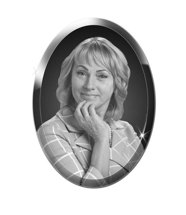 Портрет овальный на стекле №160