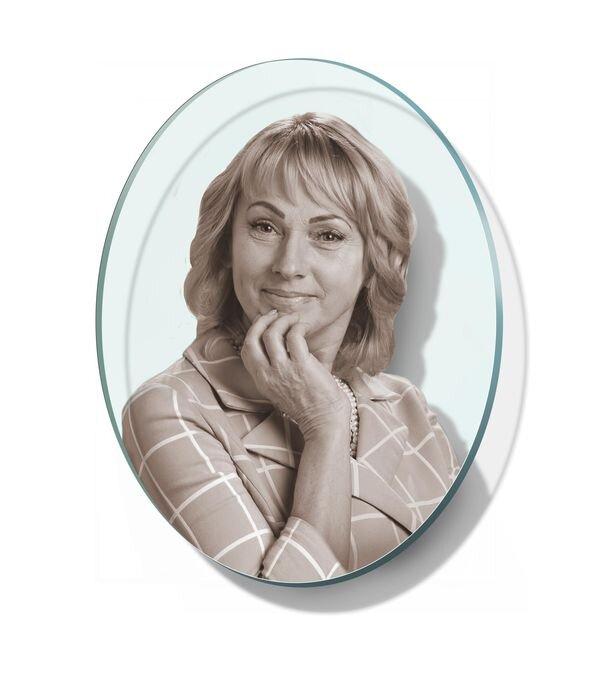 Портрет овальный на стекле №165