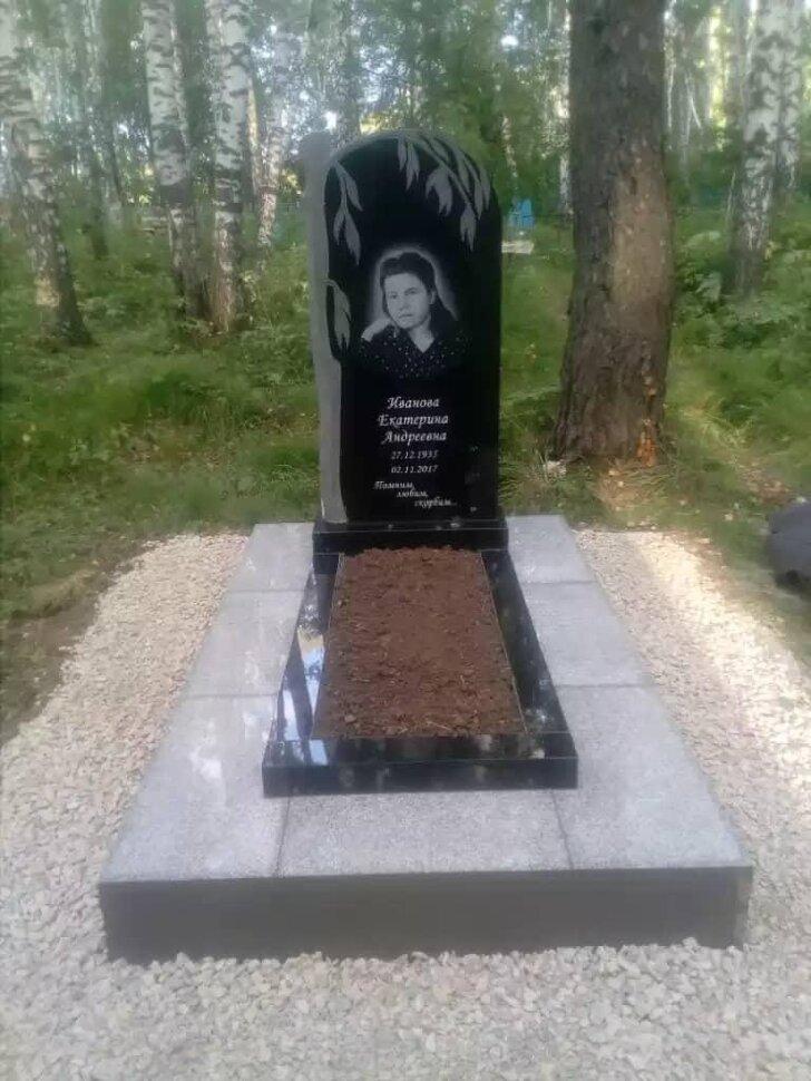 Памятник №83 (черный гранит)