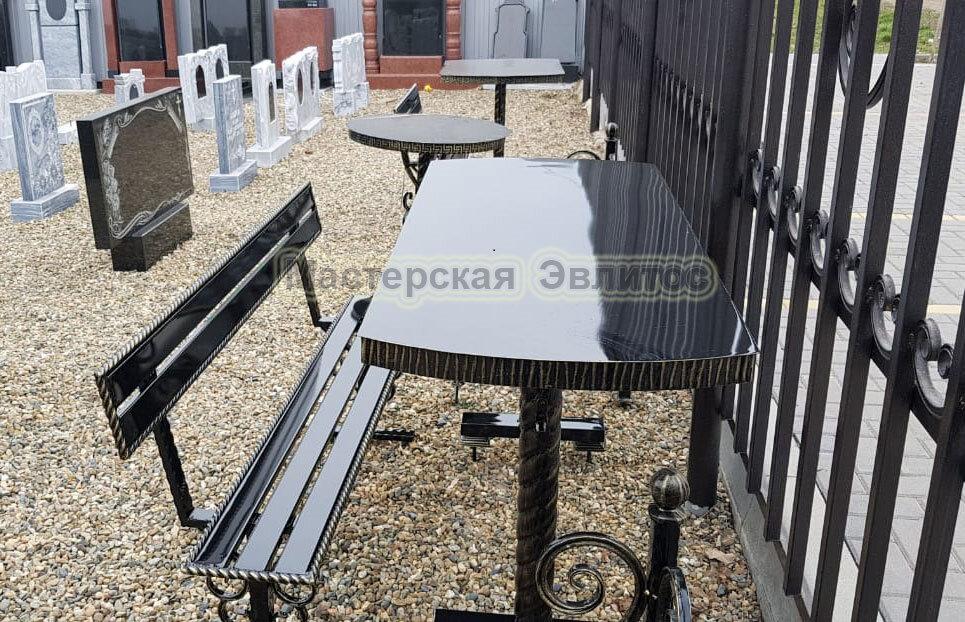 Стол МВК №4 в Томске
